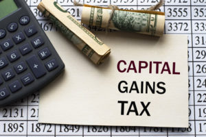 Read more about the article Capital gains tax rates: How to calculate them and tips on how to minimize what you owe