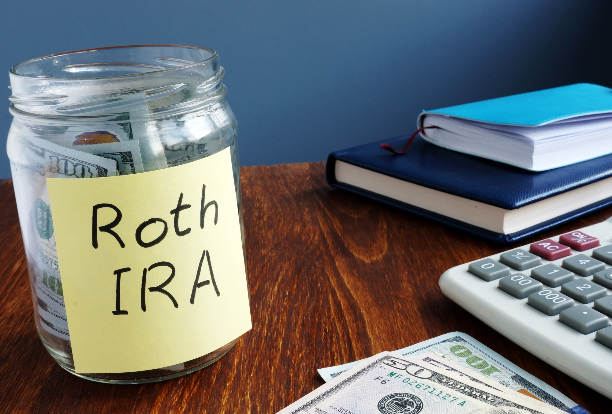 You are currently viewing What to Invest in Roth IRA